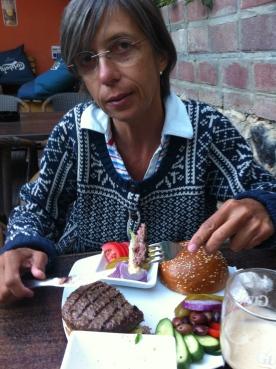 Burger at Muza in Arad